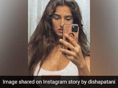 Disha Patani's Mirror Selfie Sets Our Screens Ablaze In A Funky Sports Bra