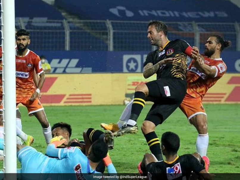 ISL: 10-Man FC Goa Soak In SC East Bengals Dominance To Salvage A Point