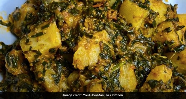 New To Cooking? Start With This Easiest Aloo-Palak Recipe Ever (The Crispy Twist Will Surprise You!)