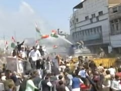 Chaos At Congress's Bhopal Pro-Farmer Rally As Cops Use Tear Gas, Water Cannons, <i>Lathis</i>