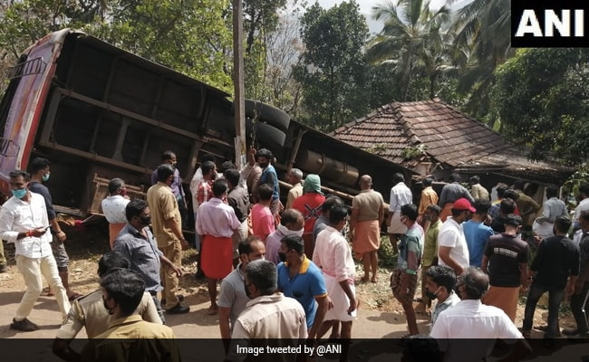 7 Killed As Bus With Wedding Guests Crashes Into House In Kerala