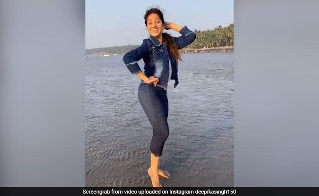 बीच पर दीपिका सिंह ने किया जबरदस्त डांस, 'बन ठन चली' गाने पर यूं बिखेरा जलवा- देखें Video