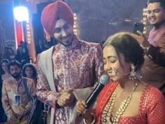 Neha Kakkar ने अपनी शादी में गाया था 'कलंक नहीं, इश्क है' सॉन्ग, अब वायरल हो रहा Video