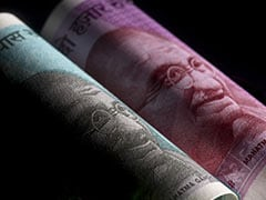 Rupee Turnaround Faces Headwinds As RBI Mops Up Dollars