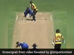 महिला क्रिकेटर ने छक्का जड़कर ठोका सबसे तेज शतक, बॉल लगी बच्ची को, पास जाकर किया कुछ ऐसा - देखें Video
