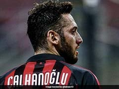 Serie A: AC Milan Lose Theo Hernandez, Hakan Calhanoglu After Positive COVID-19 Tests