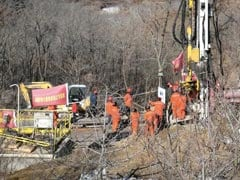 चीन में चमत्कार : सोने की खदान में हजारों फीट नीचे फंसे 11 खनिकों को सुरक्षित निकाला गया