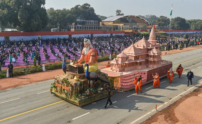 Many Stood Up As Ayodhya Ram Temple Model Passed By At R-Day Parade