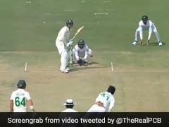 Pak Vs SA: आउट होने के बाद खुद पर गुस्सा करते दिखे क्विंटन डि कॉक, ऐसे बैठ गए जमीन पर - देखें Video