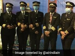 भारतीय महिला पायलटों ने रचा इतिहास, 16,000 किमी के सबसे लंबे रूट पर नॉर्थ पोल के ऊपर से उड़ान भरकर देश लौटीं