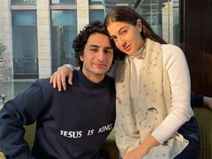 Inside Sara Ali Khan And Brother Ibrahim's New Year's Celebrations With Friends
