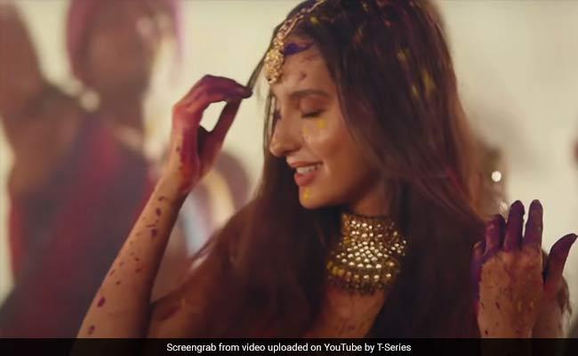 नोरा फतेही ने किया धमाकेदार डांस, अब Videos सोशल मीडिया पर मचा रहे तहलका