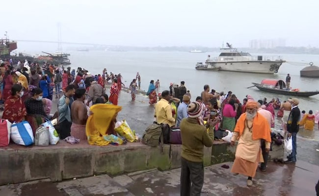 Makar Sankranti 2021: Thousands Take Holy Bath At Gangasagar And Kumbh