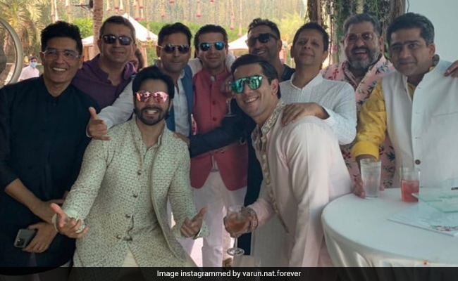 On His Wedding Day, Here's A Pic Of Varun Dhawan Chilling With His Squad In Alibaug
