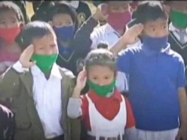 """Video : In Arunachal, Children Sing """"Sare Jahan Se Acha"""" To Welcome IAF Chief"""