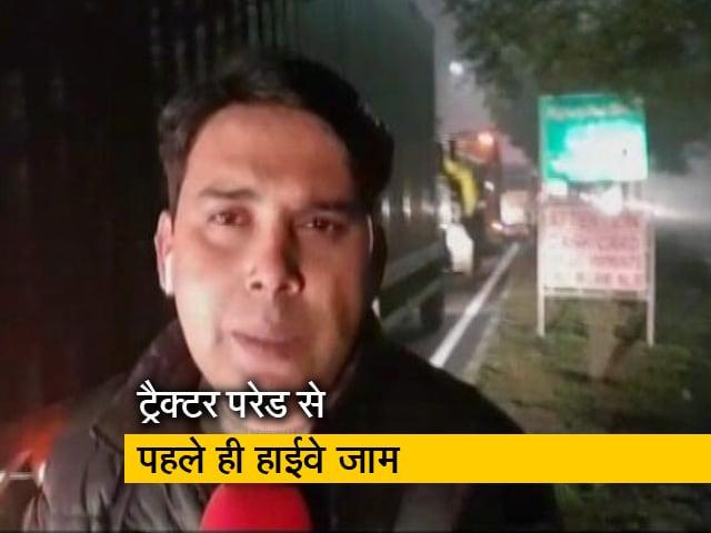 Videos : पंजाब-हरियाणा से किसानों के कूच से एनएच 44 पर लगा कई किलोमीटर लंबा जाम