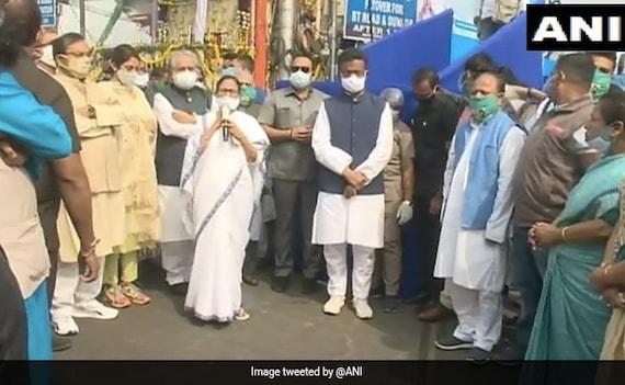 मैं नहीं जानती 'पराक्रम'? वो तो 'देशप्रेमी' थे: नेताजी के बहाने PM मोदी पर ममता बनर्जी का कटाक्ष