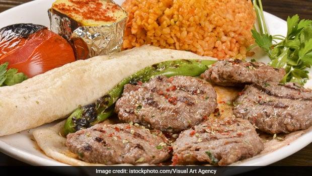 Love Kebabs? Make This Lip-Smacking Peshawari Pyaazi Kebab To Impress Your Guests