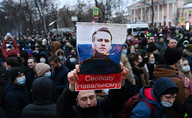 Russia Protests US Embassy, Tech Companies For Aiding 'Illegal Rallies'