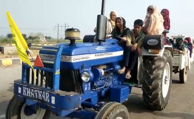 Farmers Protest: Women Take The Wheel In Haryana To Lead Tractor Rally  Against Farm Laws