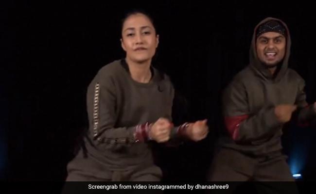 'जलेबी बेबी' सॉन्ग पर धनाश्री वर्मा का जबरदस्त डांस हुआ वायरल, Video में देखें उनके धाकड़ स्टेप्स