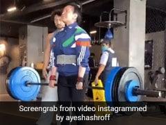 Tiger Shroff की मॉम ने उठाया 95 किलो वेट तो दिशा पटानी बोलीं- कमाल की ताकत...देखें Video