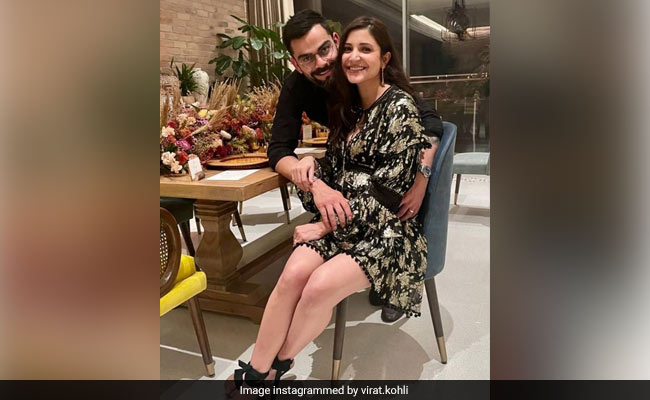 A New Year-Special Post Featuring Anushka Sharma, Virat Kohli And Friends
