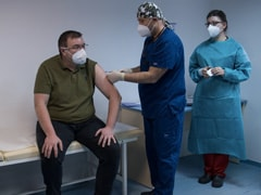 """UK Ramps Up Covid Vaccinations As It Faces """"Worst Weeks"""" Of Pandemic"""