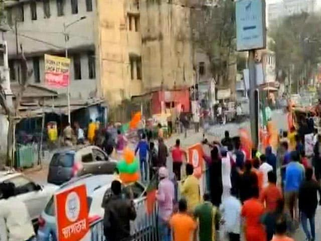 """Video : Stones Reportedly Thrown At BJP Roadshow In Kolkata Amid """"Go Back"""" Chants"""