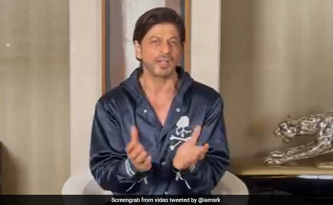 'See You On The Big Screen In 2021': Shah Rukh Khan Leaves Fans Excited With His New Year-Special Clip