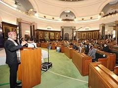 युवा देश को समृद्धि और प्रगति के पथ पर आगे बढ़ाने में योगदान करें : लोकसभा अध्यक्ष