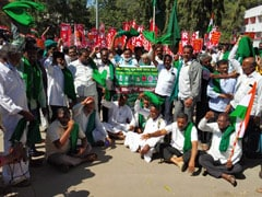 Thousands March In Bengaluru To Support Farmers' Demand To Scrap Laws