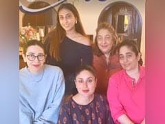 Inside Kareena Kapoor's Fam-Jam With Karisma And Others