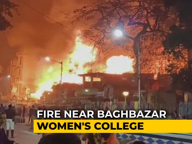 Video : Massive Fire At Kolkata's Baghbazar, 25 Fire Engines At The Spot