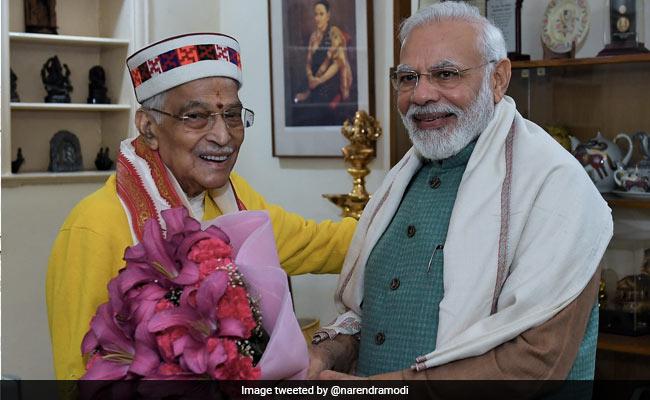 PM Modi Greets Former BJP President Murli Manohar Joshi On His Birthday