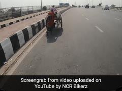 Biker Helps Rickshaw-Pulling Couple On Bridge, Virender Sehwag Praises His Gesture