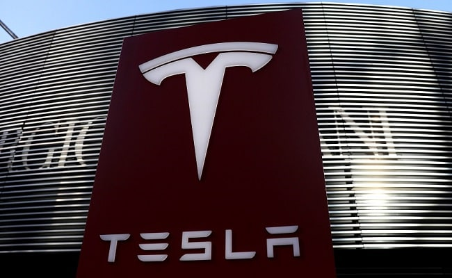 Tesla Claims Employee Started Stealing Trade Secrets Days After Being Hired