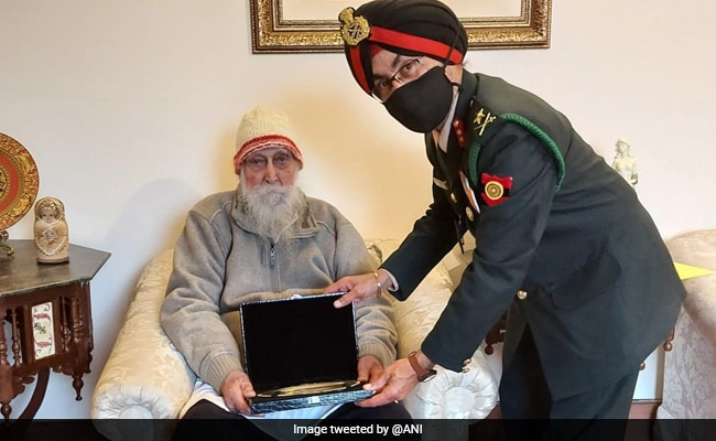 Veteran Who Served In All 3 Indian Armed Forces Presented Silver Salver