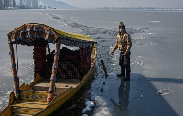 Dal Lake Freezes, Srinagar Records Coldest Night Since 1991