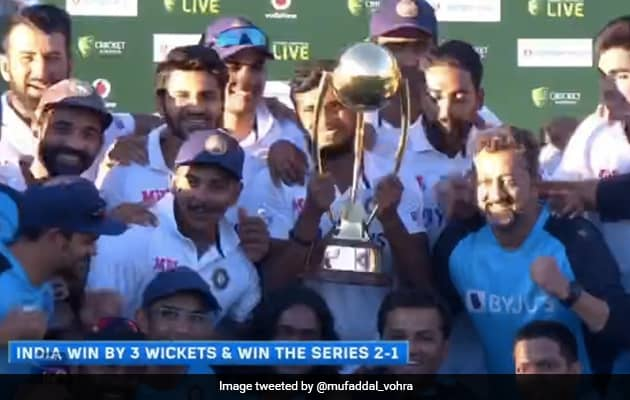 Ajinkya Rahane to gave the trophy to T Natarajan and let him hold it.