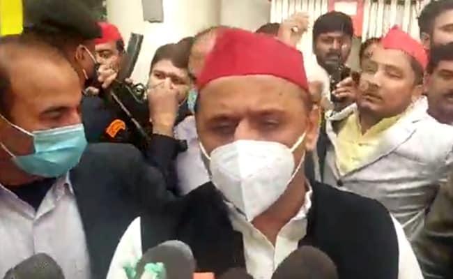 Akhilesh Yadav On Yogi Adityanath's Red Cap Jibe