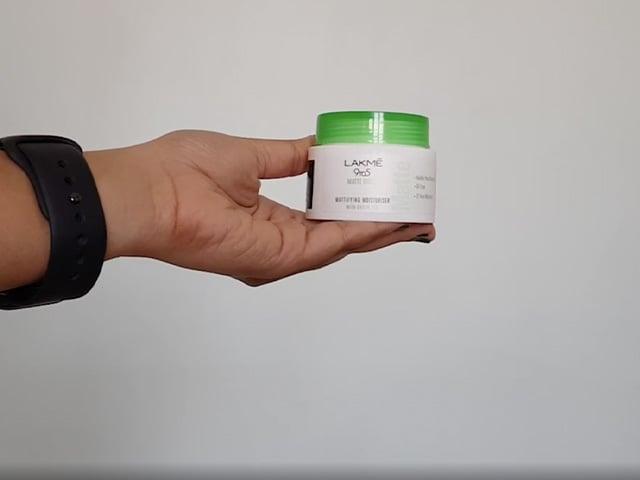 Video : Skincare Review: Lakme 9 to 5 Matte Moist Mattifying Moisturiser