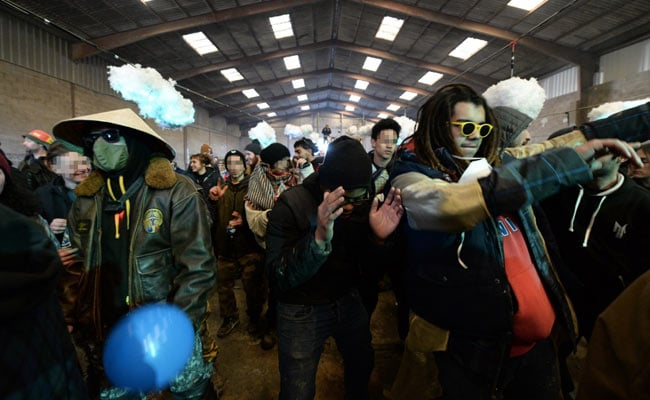 2,500 Attend Illegal New Year Rave In France Despite Covid Restrictions - NDTV