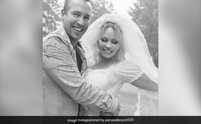 Pamela Anderson Marries Again. Meet Her Husband -  Bodyguard Dan Hayhurst