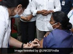 महाराष्ट्र: 'कोरोना टीका लें, नहीं तो काम पर न आएं', हेल्थवर्कर्स के Whats App ग्रुप पर आया संदेश