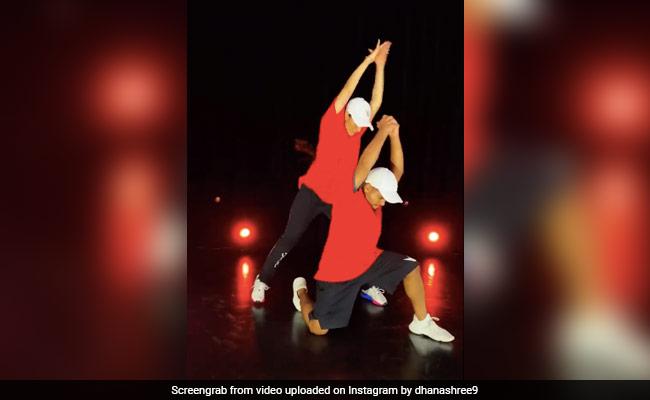 युजवेंद्र चहल की पत्नी 'हनुमान जी' के गाने पर डांस करती आईं नजर, Video पोस्ट कर बोलीं- इसका और इंतजार नहीं...