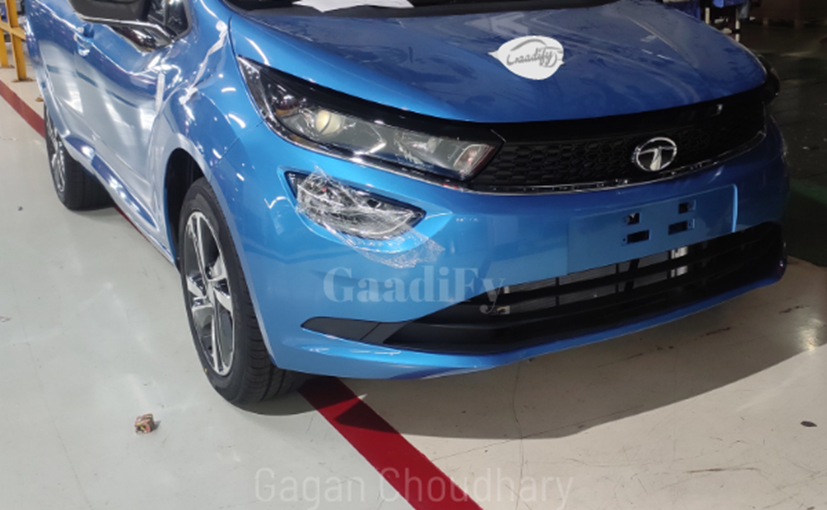 The Tata Altroz iTurbo model is slated to be unveiled on January 13, 2021