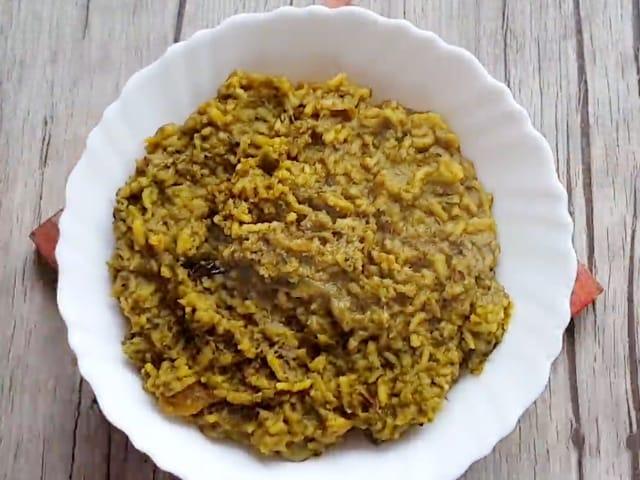 Video : How To Make Palak Dal Khichdi | Easy Palak Dal Khichdi Recipe Video