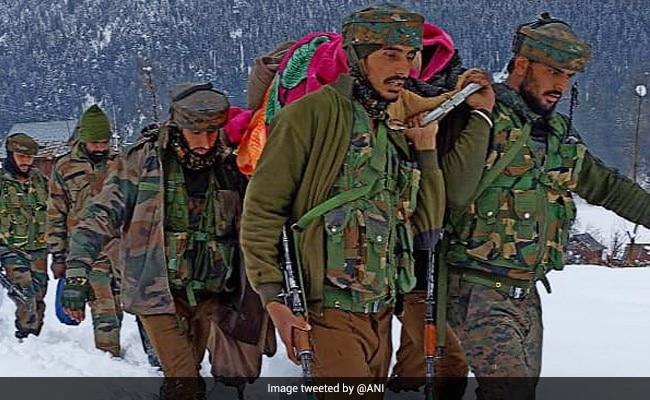 Army Helps Pregnant Woman Reach Hospital Amid Heavy Snowfall In Kashmir