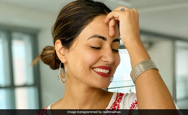 What Hina Khan Wrote After Completing '12 Glorious Years' In Showbiz